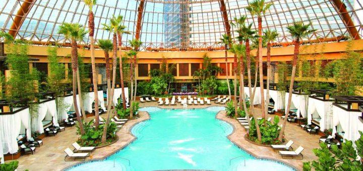 Harrah's pool before dark - Atlantic City Beach Bar